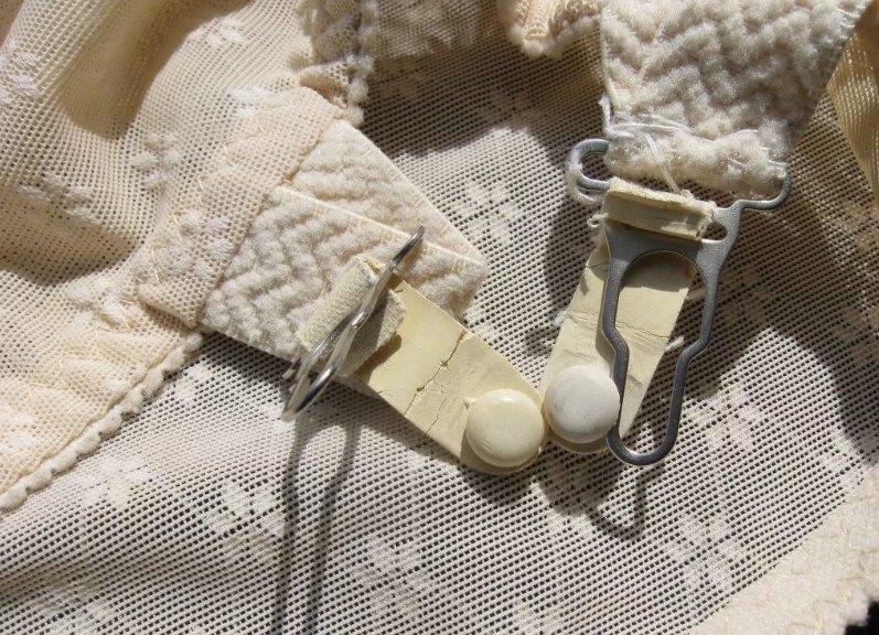 женский пояс для чулок
