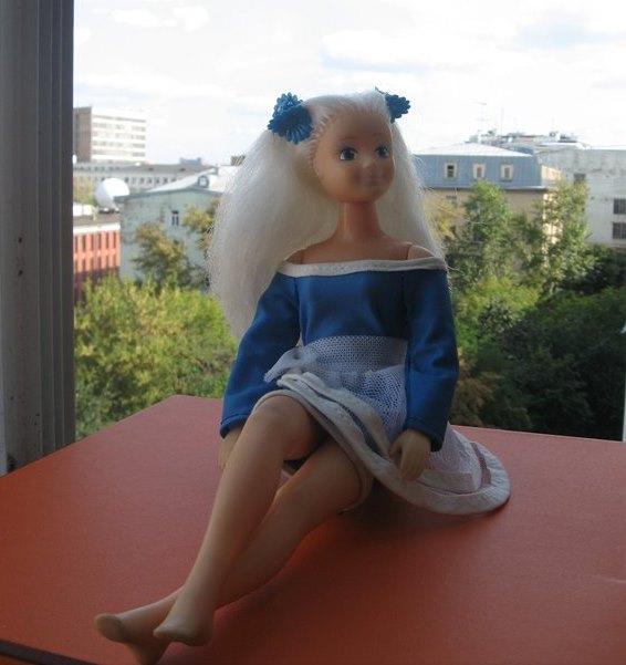кукла Вероника в синем платье